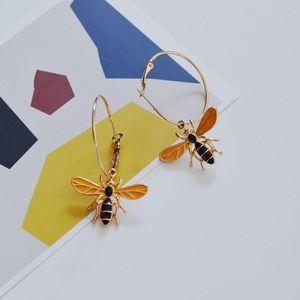 Cute Bee Gold Hoop Earrings Women Fashion
